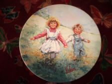 WEDGWOOD QUEENS WARE DISPLAY PLATE LIMITED EDITION MARY VICKERS PLAYTIME